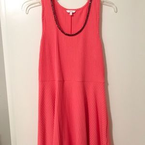 Candies ribbed pink dress with jewel neckline